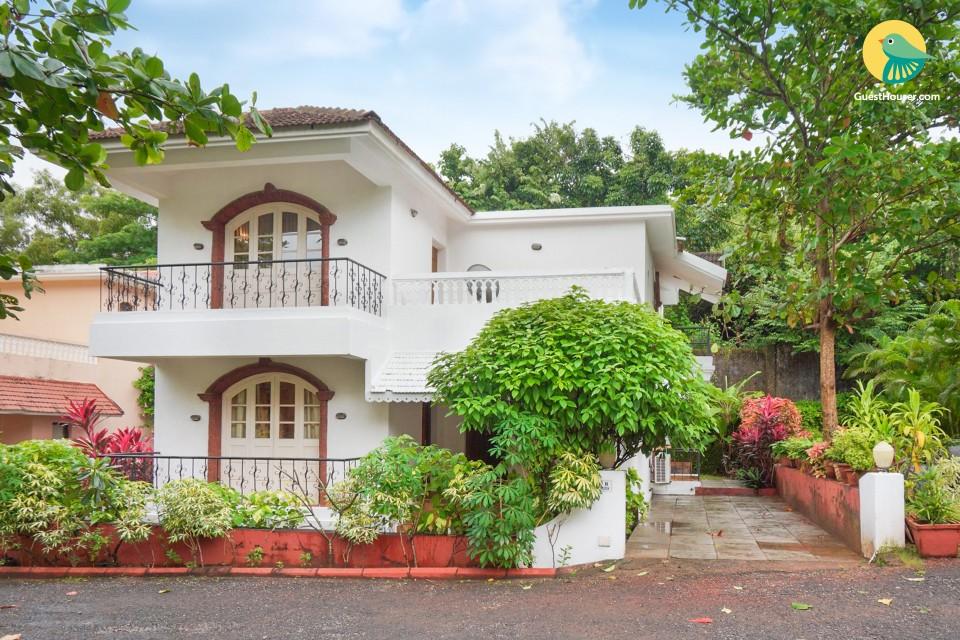 Luxurious 4-BR villa, 750 m from Sinquerim beach