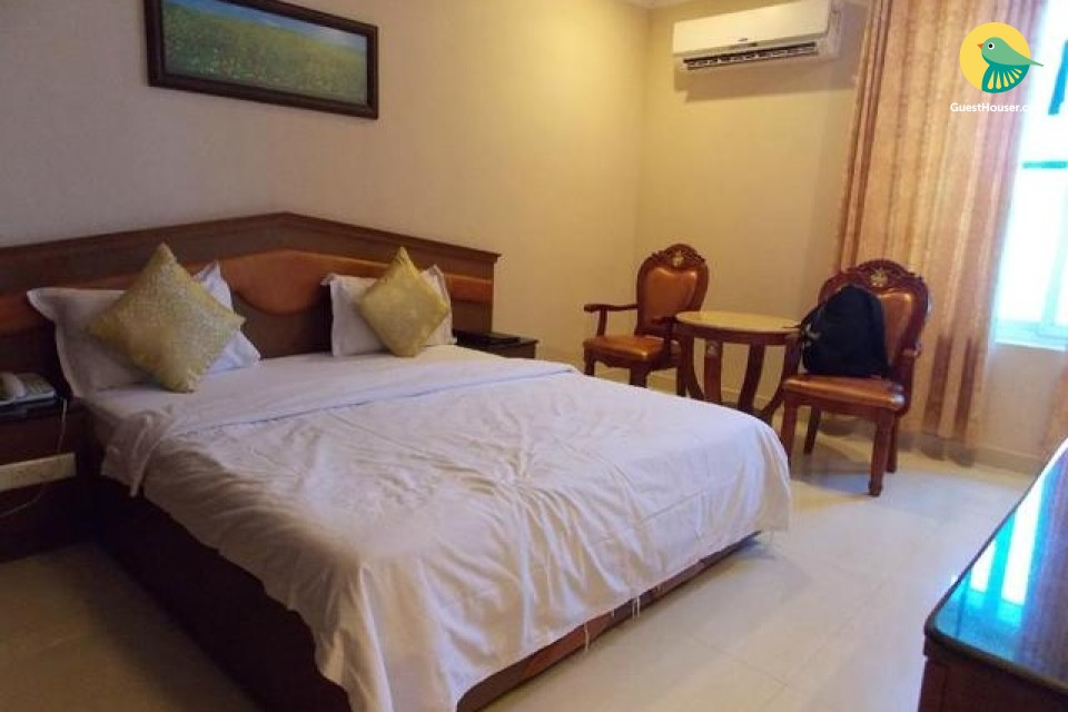 Well-furnished accommodation