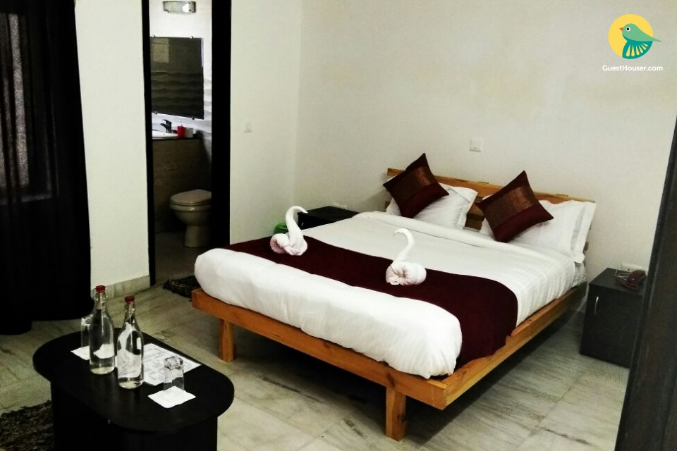 Single room in a Guest House for 2