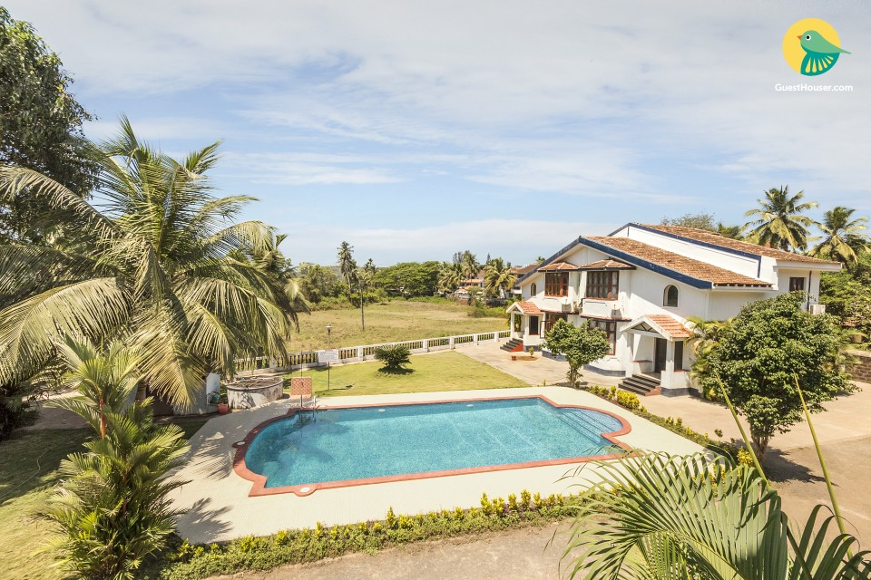 Well-appointed 2 BHK apartment with a pool, close to Baga Beach