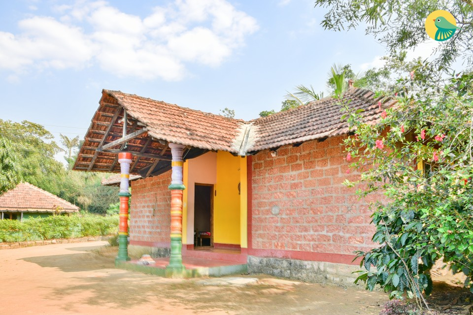 Rustic 2-BR homestay nestled in a bucolic area