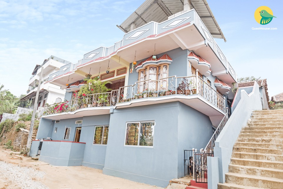 Restful 3-BR homely stay for a group, near Madikeri Fort