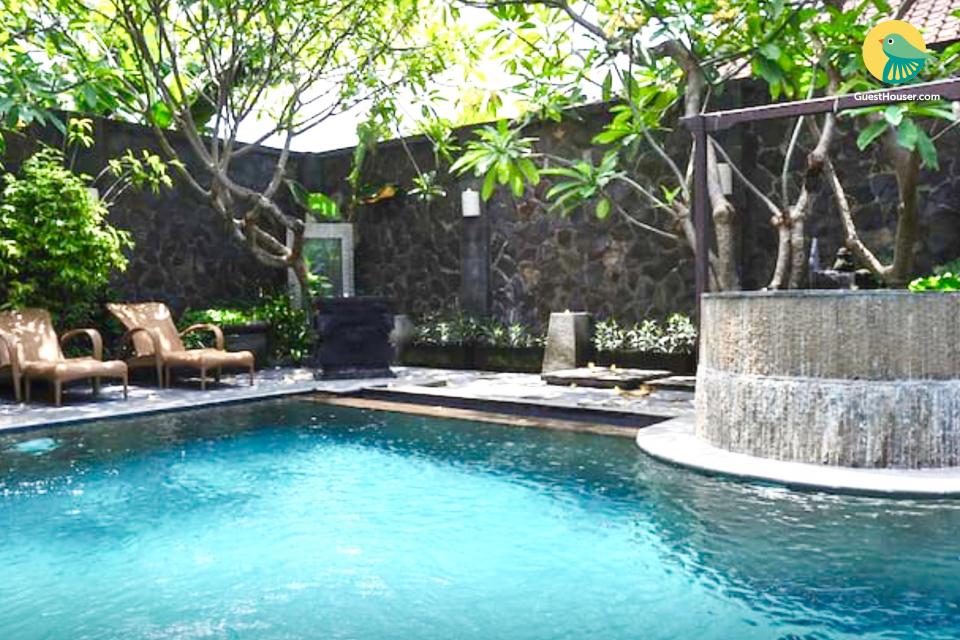Grande 9 Bedroom Villa in Kuta