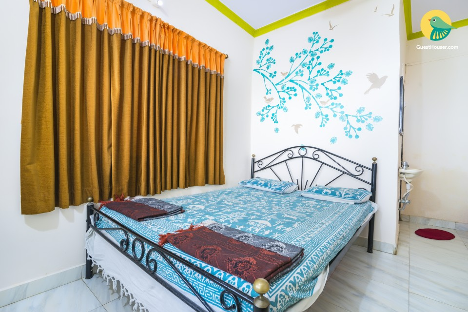 Cheerful stay ideal for a solo traveller