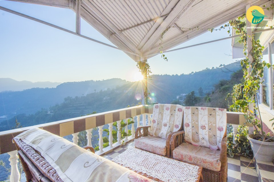 1-BR with a spectacular hilly view