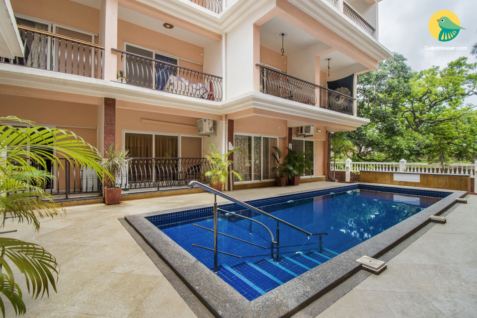 Lavish 2 BHK with a pool, ideal for friends