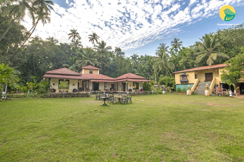 Lavish getaway in a 6-BR cottage, ideal for a family