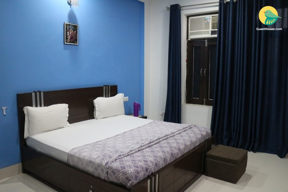 Restful room in a guest house, ideal for budget travellers