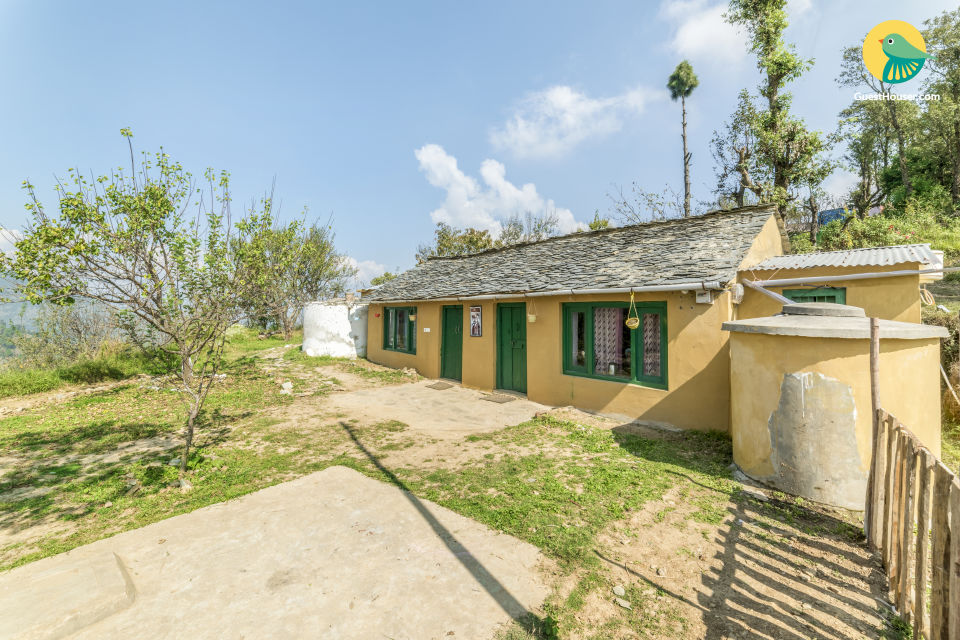 Cosy 1-BR cottage with a hilly view