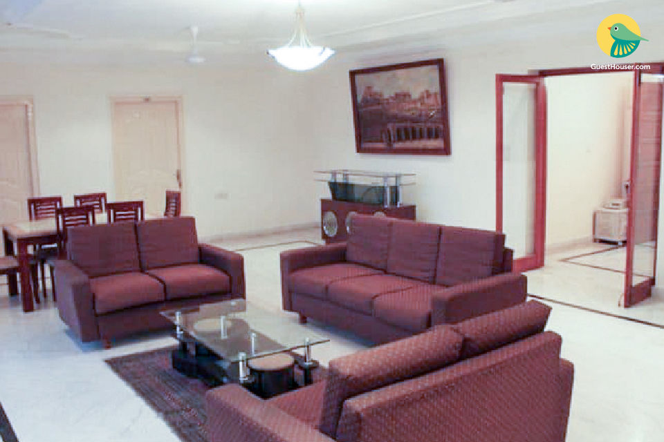 Inviting 3 BHK for 9, ideal for a group of friends