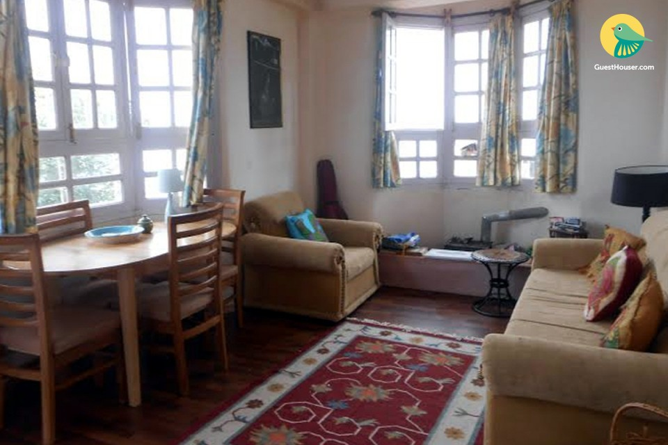 Homely stay for three, close to Naldhera Golf Course