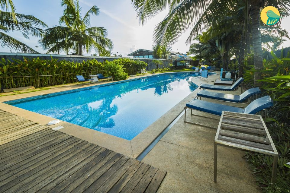 Boutique room with a pool, next to Candolim Beach