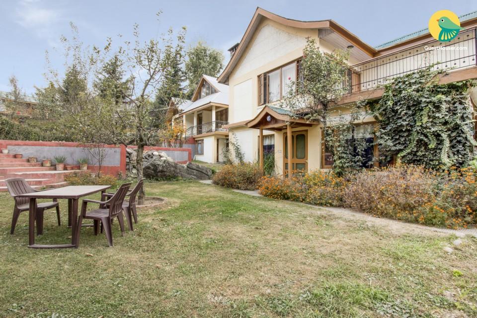 Rustic 3-BR cottage for group getaways