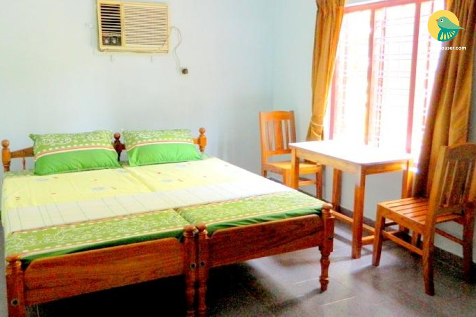 Modest room for 3 in a homestay