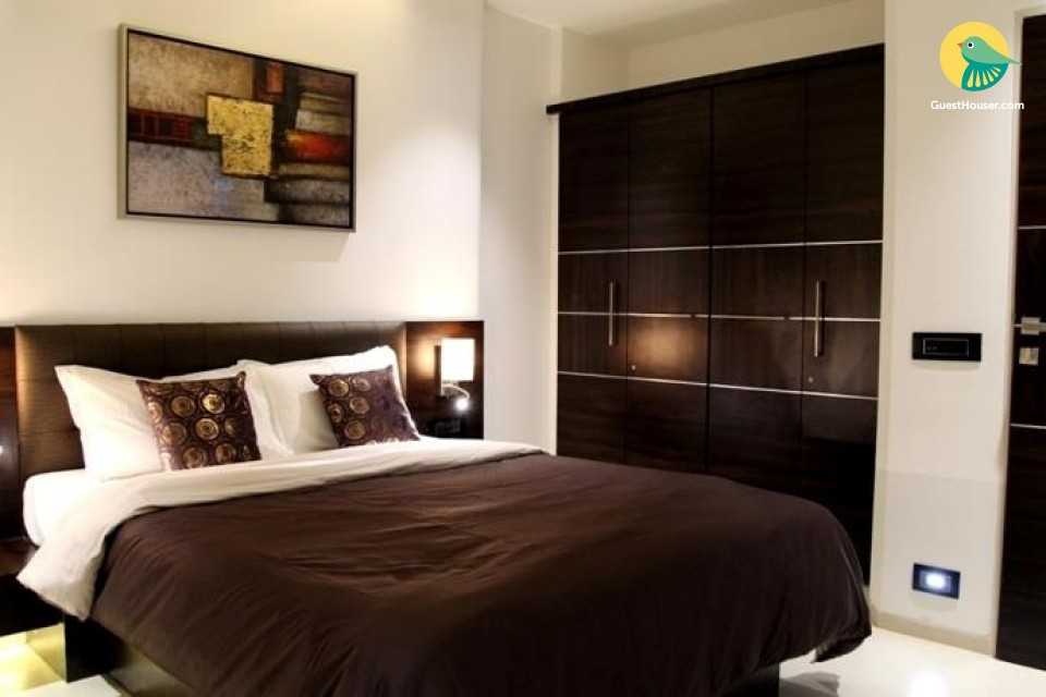 Well-Appointed 1 BHK Apartment In Vile Parle