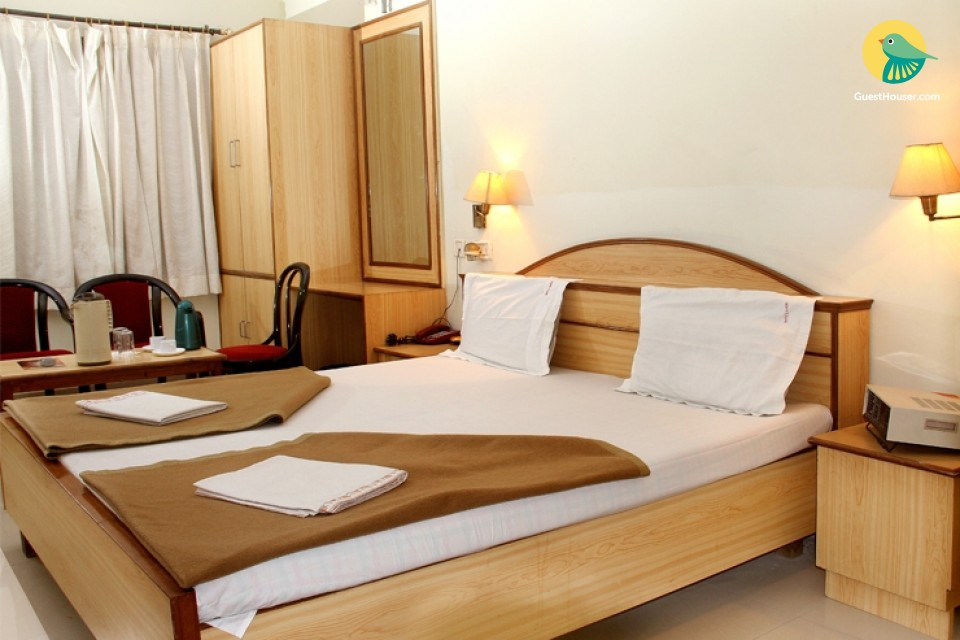 Restful room for 3, ideal for a solo traveller
