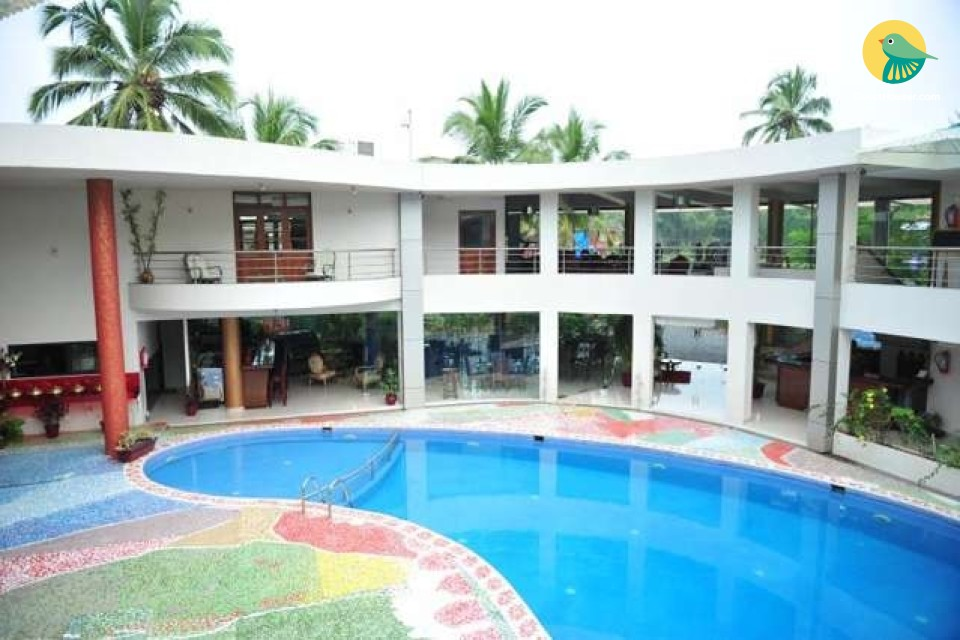 2 Bedroom Luxurious Suite with a Pool