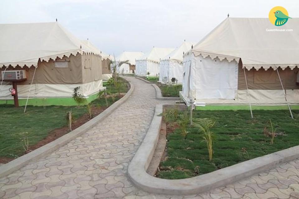 1 Bedroom Tent in Chandrapur