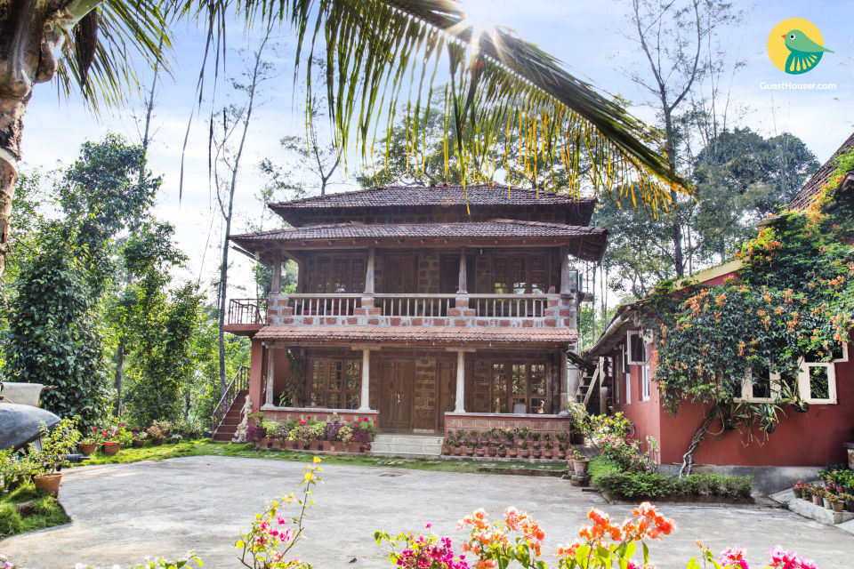 Traditional 4-BR homestay perfect for a group getaway