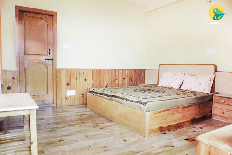 Comfy stay ideal for a group of trekkers, 100 m from Hot Springs