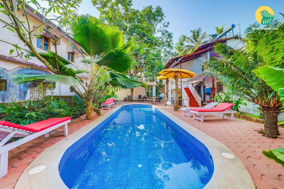 Stylish 2-bedroom pool villa for 6