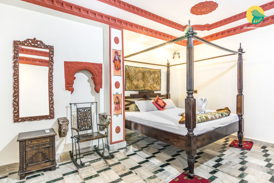 Fort-facing retreat, ideal for leisure travellers
