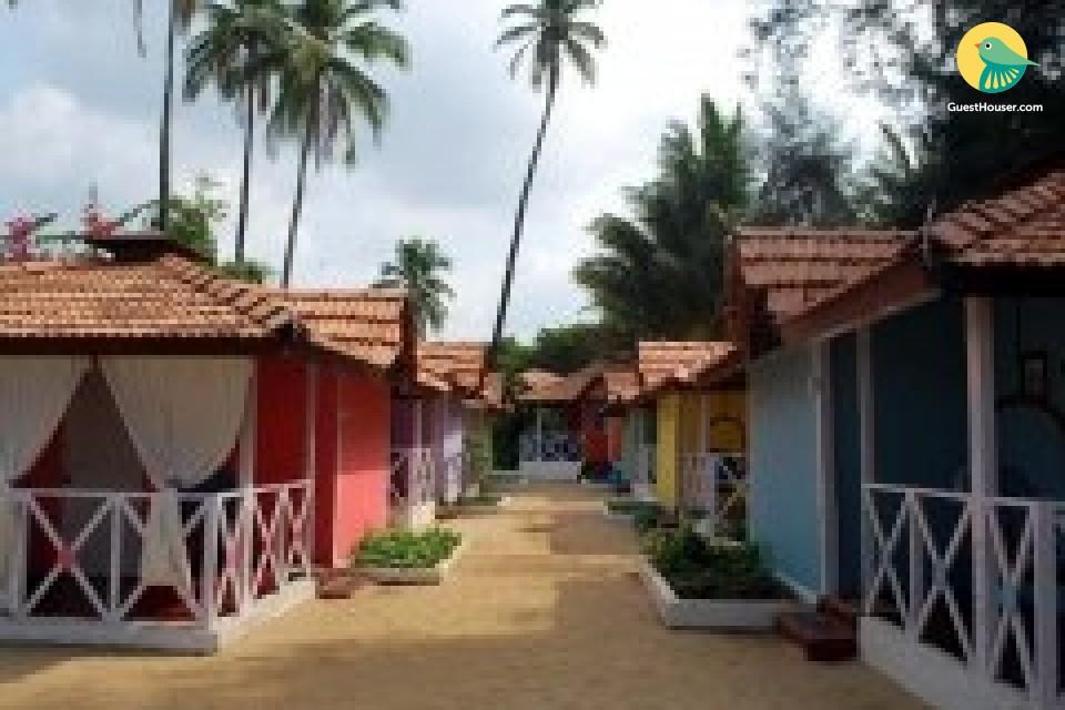 Brightly-hued beachside hut on Palolem beach