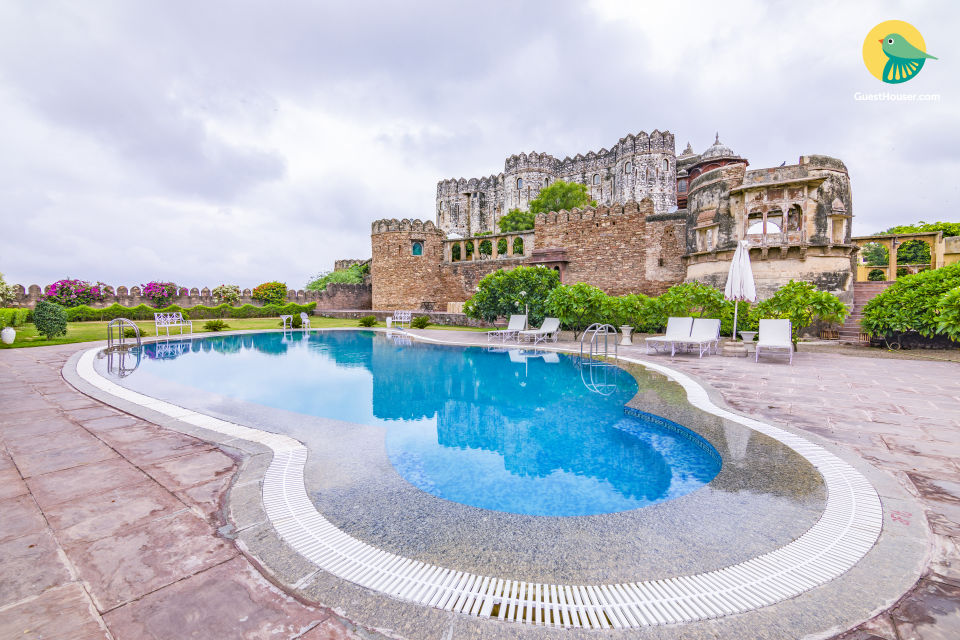 Majestic abode for three, perfect for a lavish stay