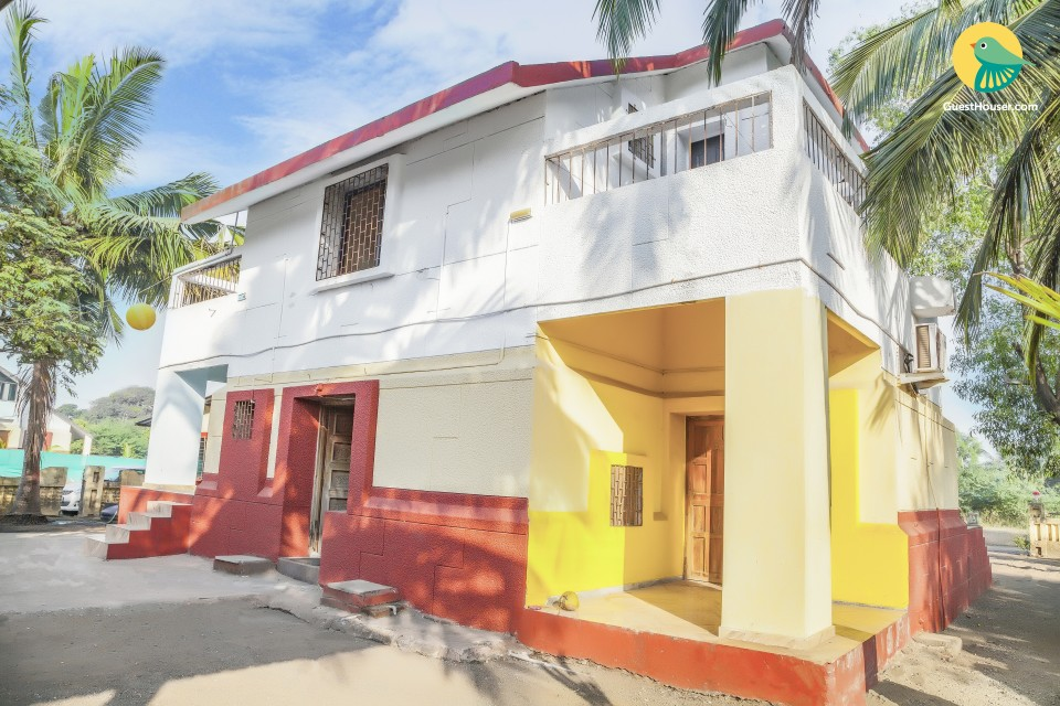 Sun-kissed 4-BR bungalow, close to Nagaon Beach