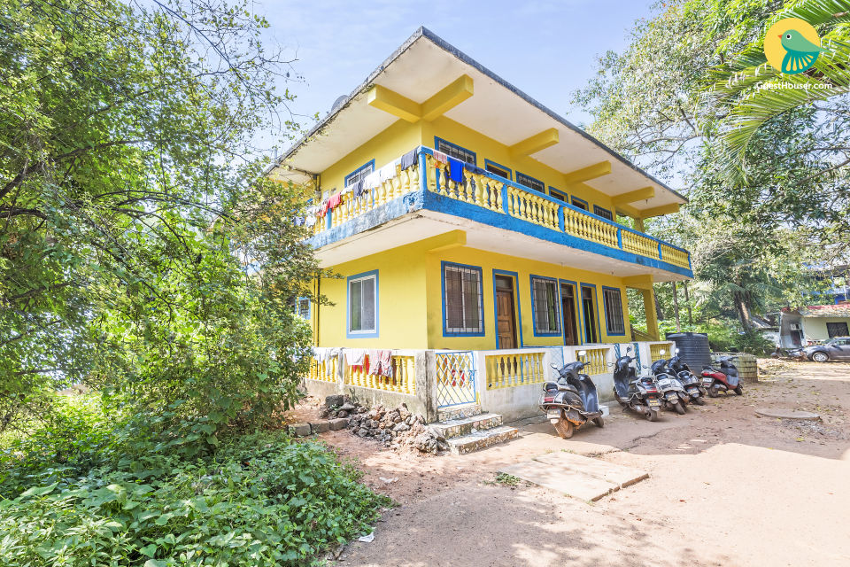 Rejuvenating stay in a vibrant guest house, near Calangute Beach