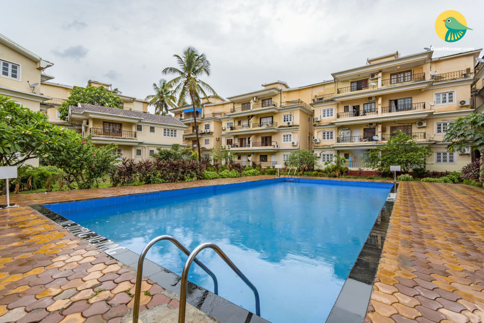 Stylish 1 BHK with a pool, near Calangute Beach