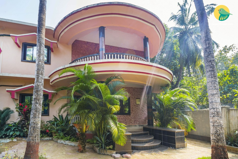 Restful 1-BHK for backpackers, 1 km from Morjim Beach