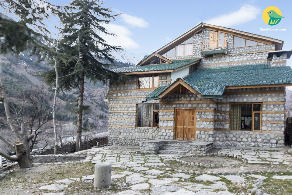Homely abode for backpackers with a stunning view