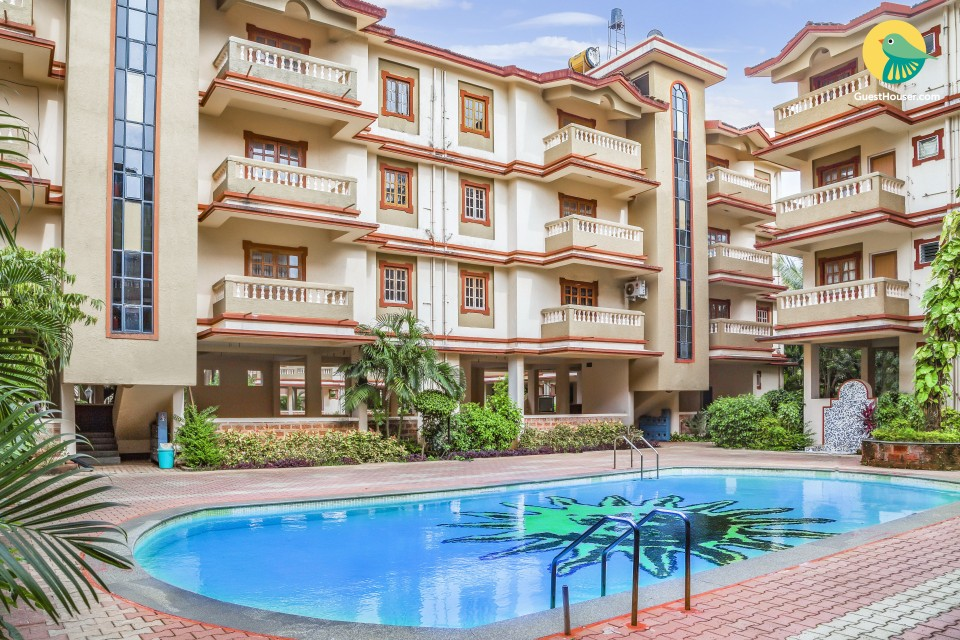 Restful 2-BR apartment with a pool, 400 m from Candolim Beach