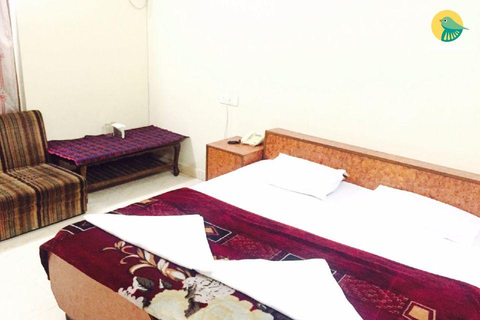 Contemporary stay in Taj city, 1.9 km  away from Taj Mahal