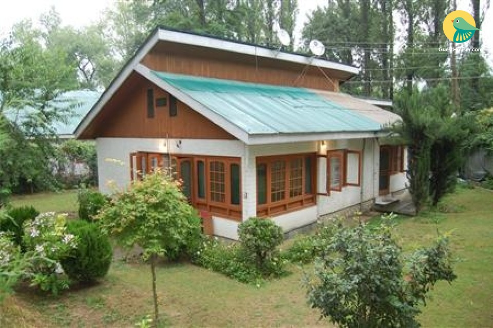 2-bedroom cottage near Dal Lake
