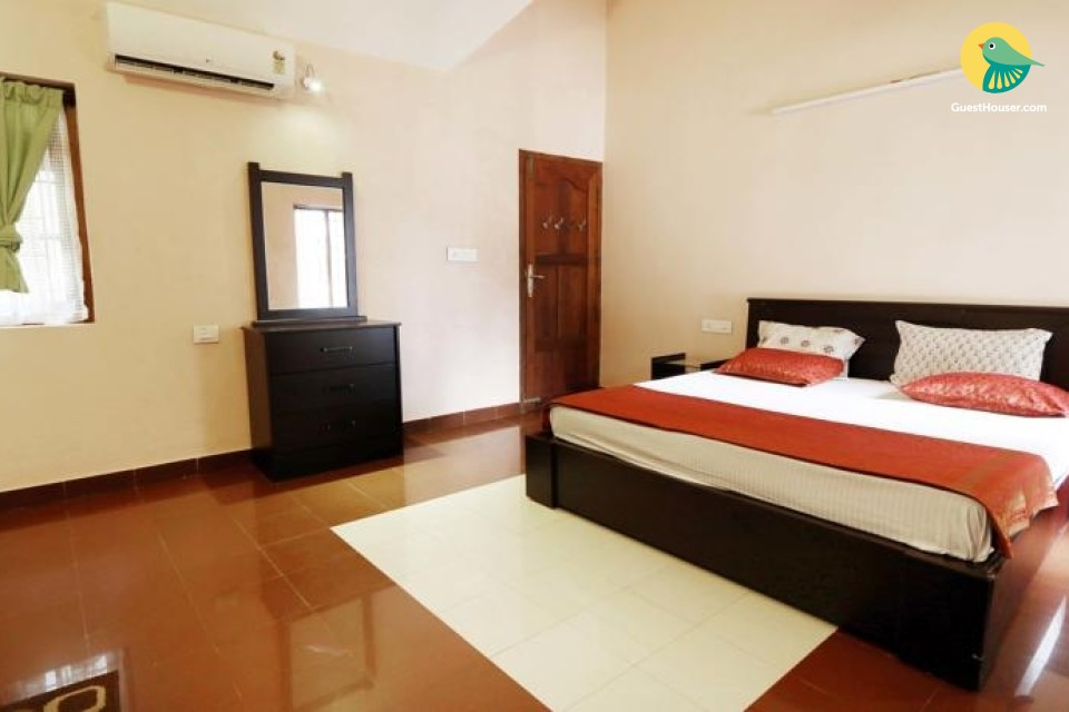 Premium Deluxe Room in Luxurious Seafront Bungalow