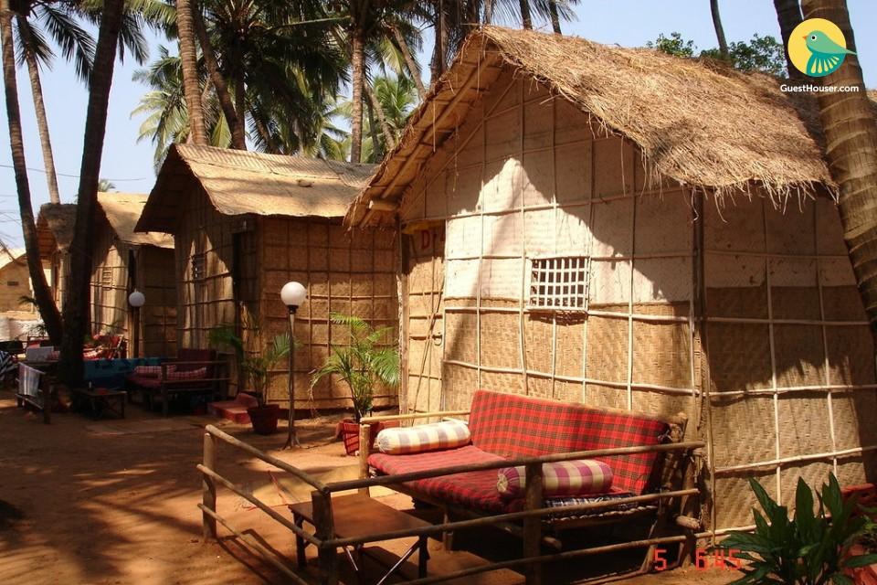 Bamboo hut for backpackers, on the serene Mandrem beach