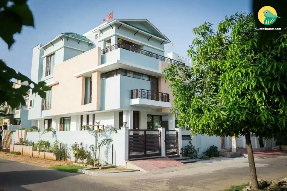 2-BR Luxury Apartment