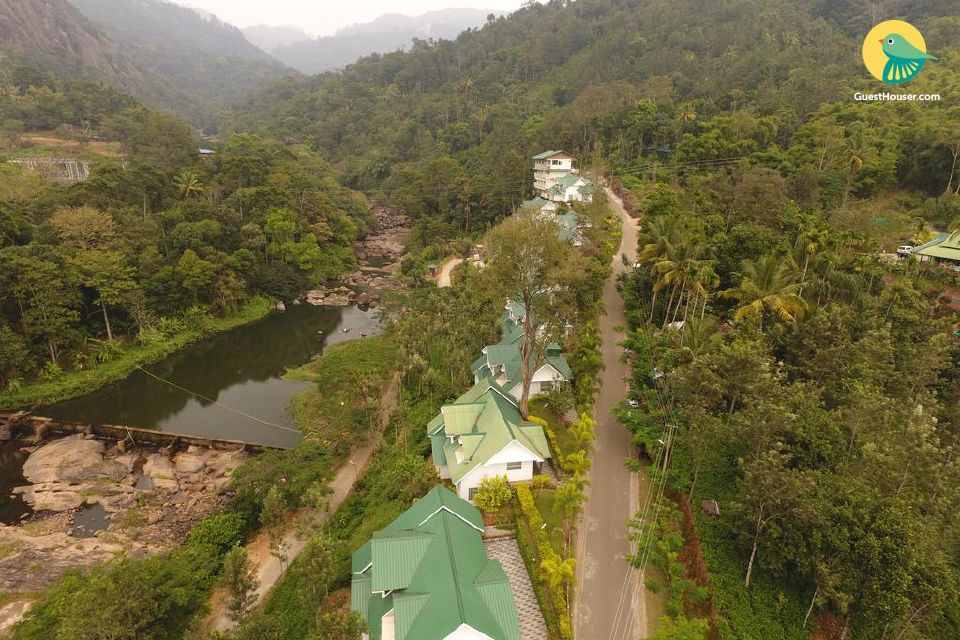 Relaxing River View Royal Stay