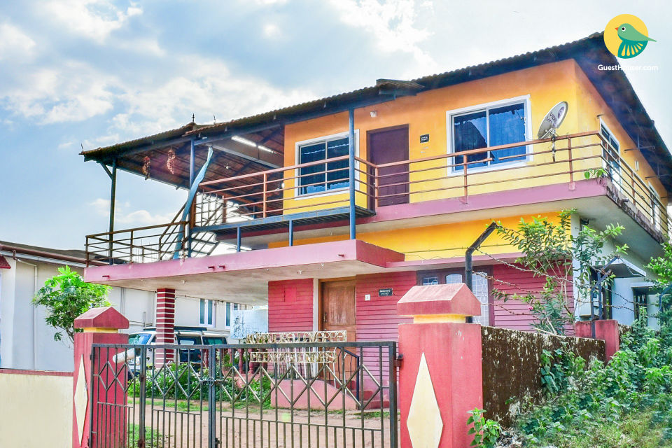 Beautiful 2-bedroom homestay with pastoral charm