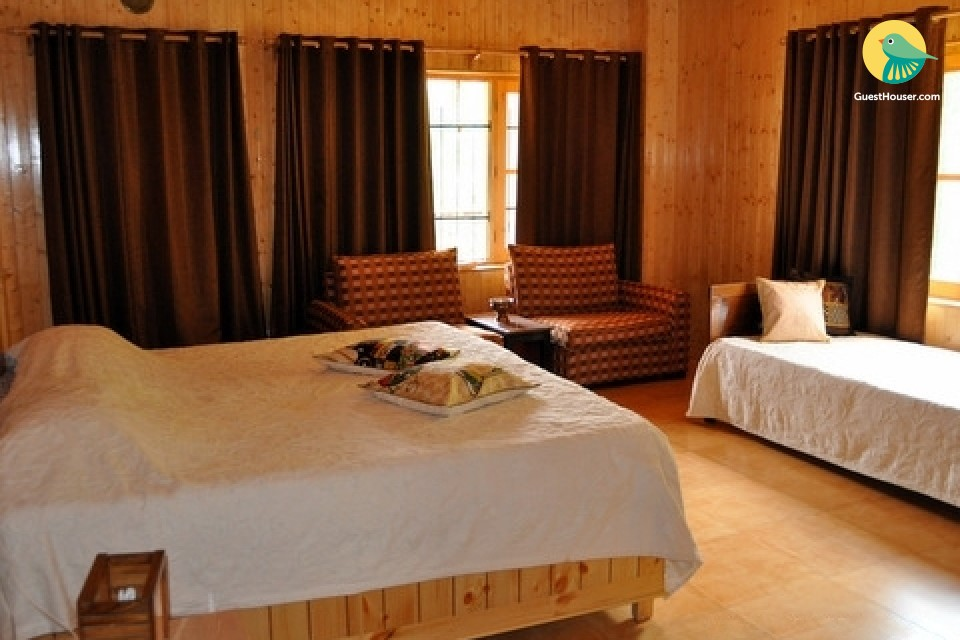 Classic hillside 8-BR homestay for a group stay