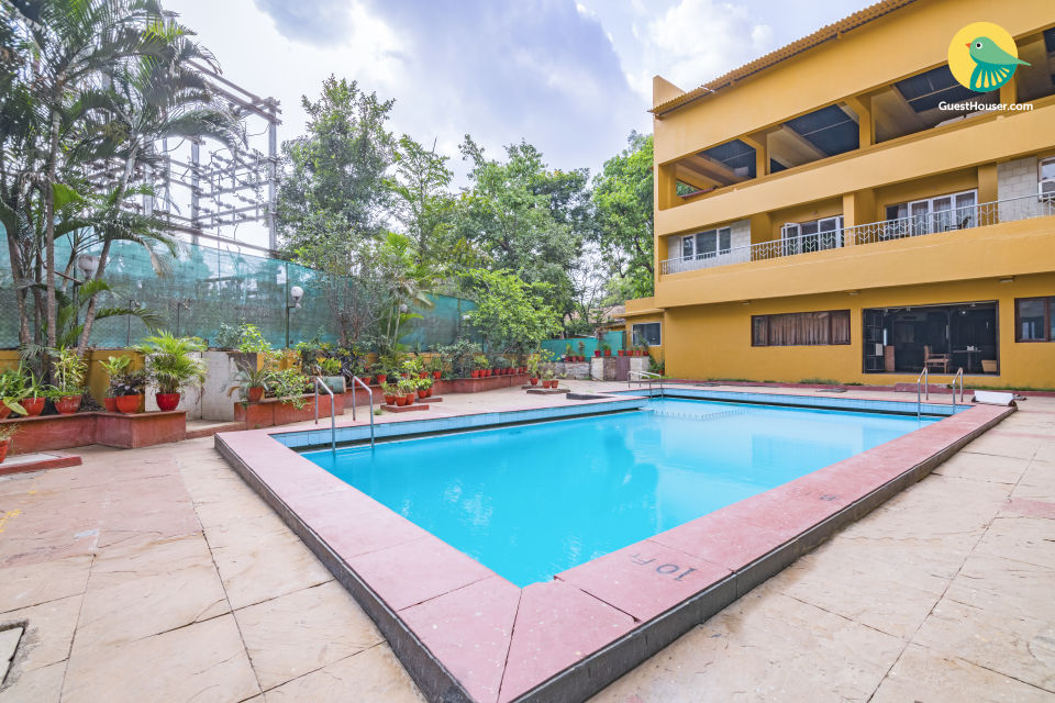 Well-furnished boutique stay with a shared pool