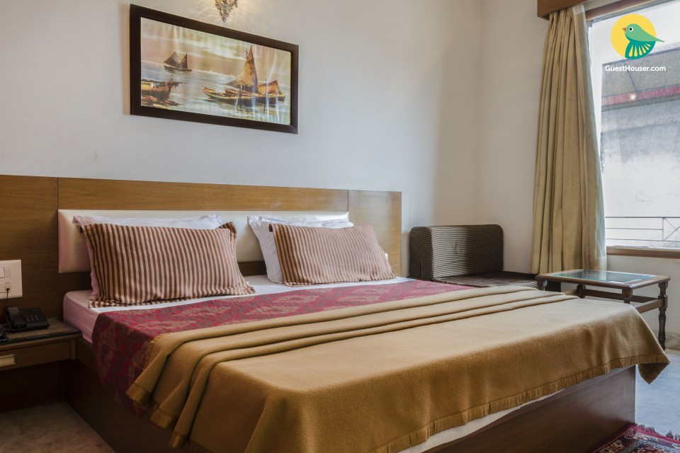 Boutique room for three