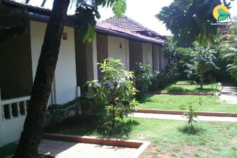 5 Basic Bedrooms with Garden near Canacona Railway Station