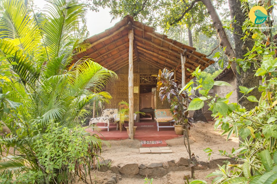 1-bedroom rustic hut, for backpackers, 1 km from Palolem beach
