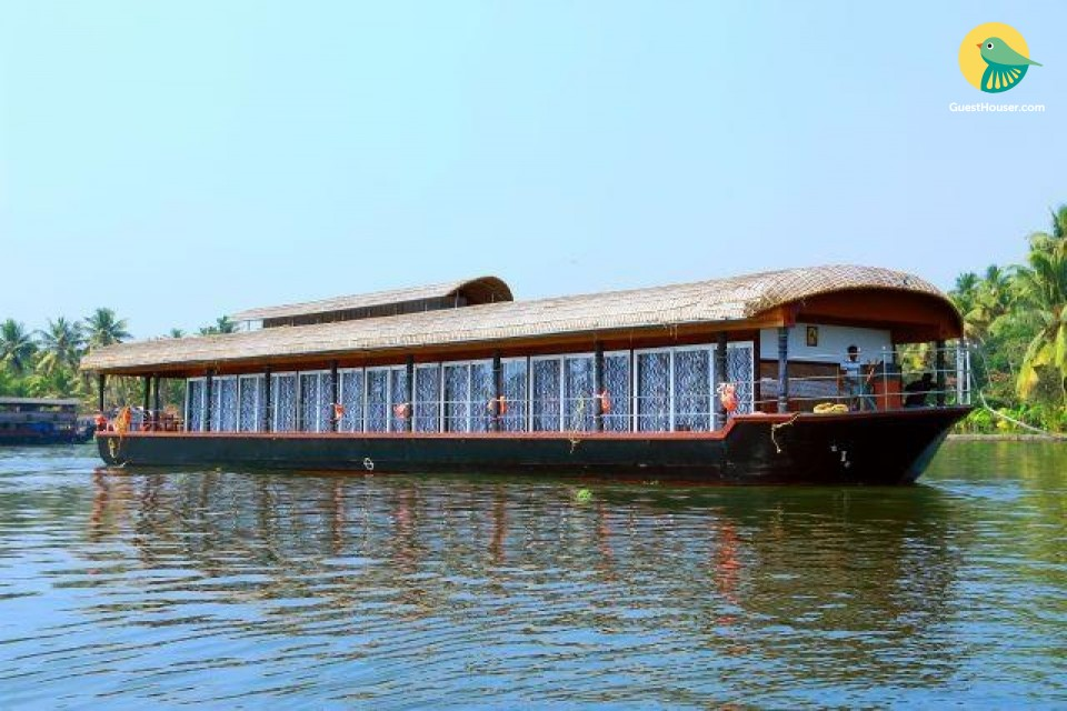 5 BR houseboat for large groups