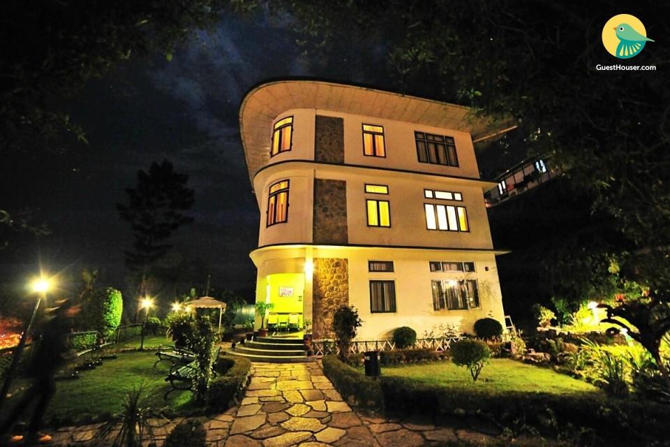 A perfect 10 bedroom villa in a perfect location