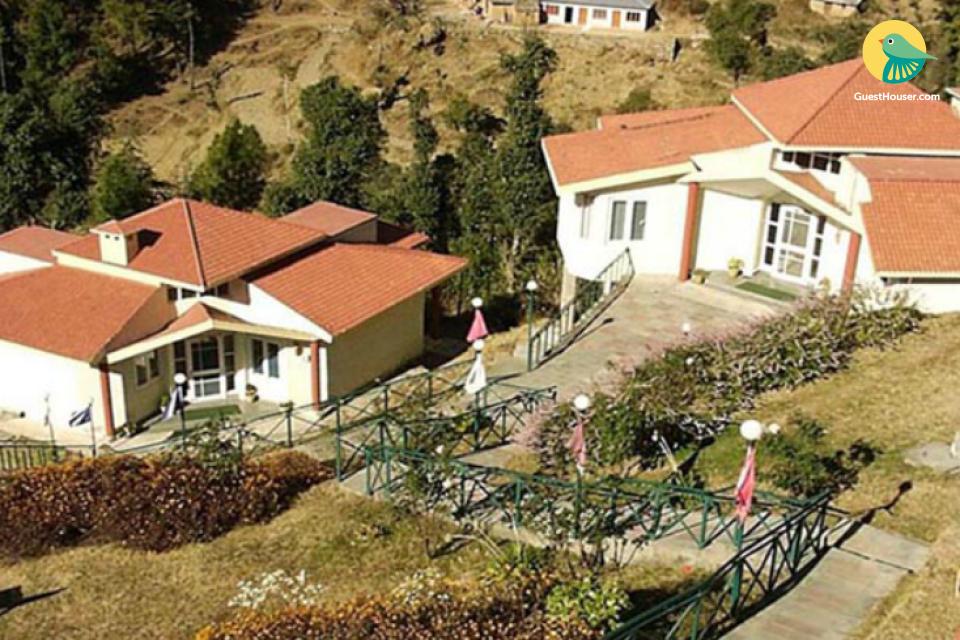 Tranquil 2-BR hillside cottage for 6