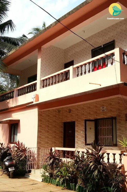 Well-appointed room for 3, close to Candolim Beach